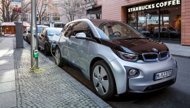 BMW i3 100% electric or REx with 81 miles/130 km range. Priced at $33,850-41,350. Seats 4.124 MPGe