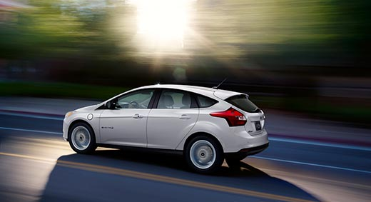 Ford Focus Electric 100% electric 76 miles 122 kn $21,670-29,170 10.1 seconds 5 seats 105 MPGe